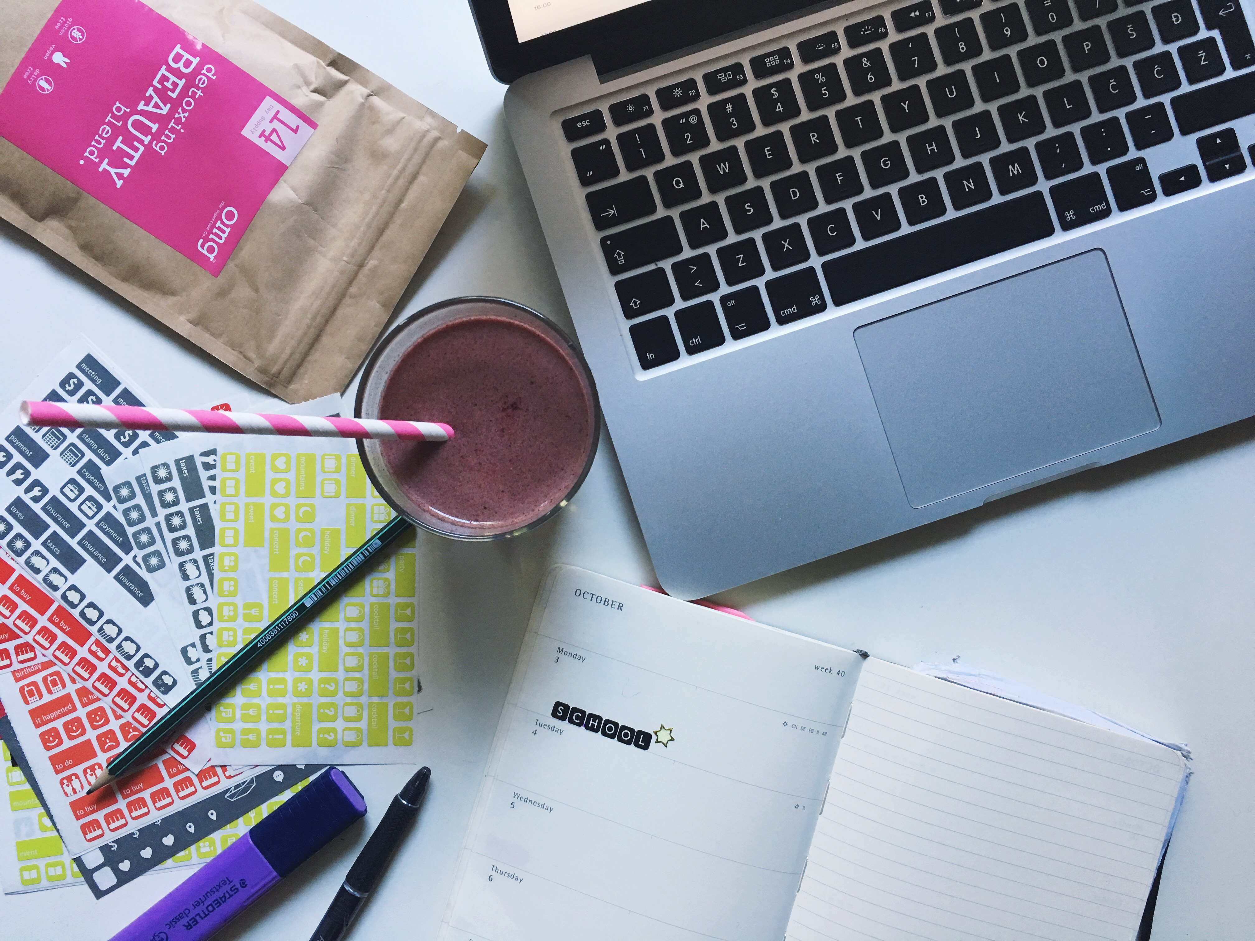 back to school, blogger, pelamarela, lifestyle, college, essentials
