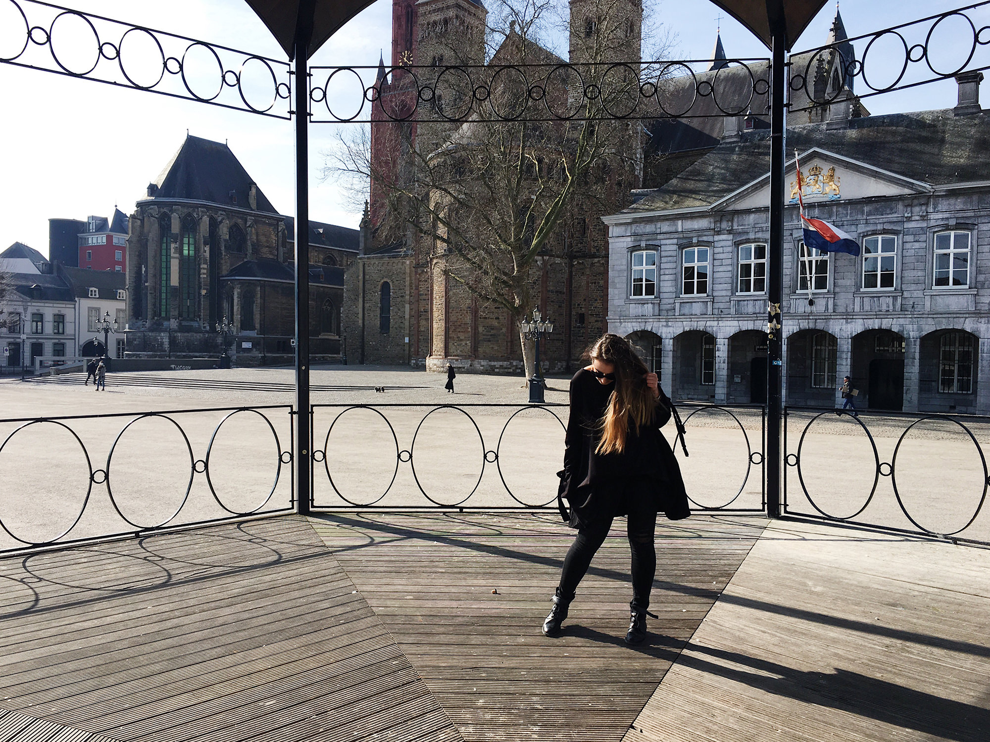 pelamarela, lifestyle, blogger, fashion, travel, netherlands, maastricht, outfit, all black clothes, winter, life, dance