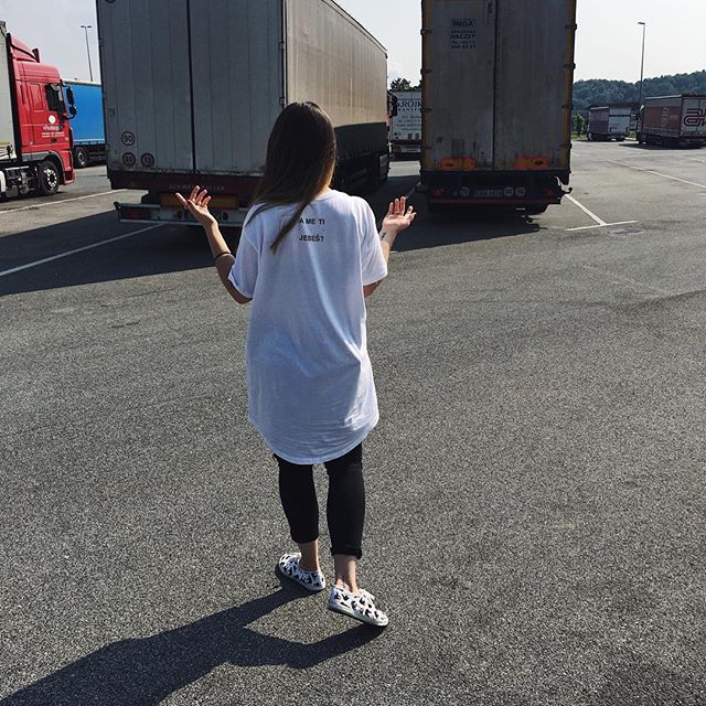 so rekle, da gremo naprej pa s tovornjakom. In jz sm rekla...  #ootd  #mjm
